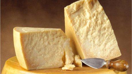 Obesità latte e formaggi per combatterla