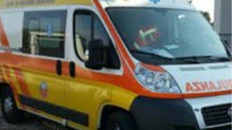 Incidente a Pomezia, auto si scontra con moto: morto 35enne