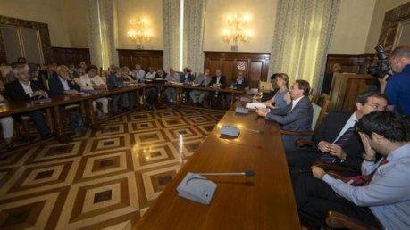 Rinnovo contratti Pubblica Amministrazione. Il ministro Madia propone un aumento di 85 euro per ogni lavoratore foto ilsole24ore.com