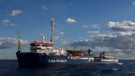 Migranti navi Sea Watch e Sea Eye